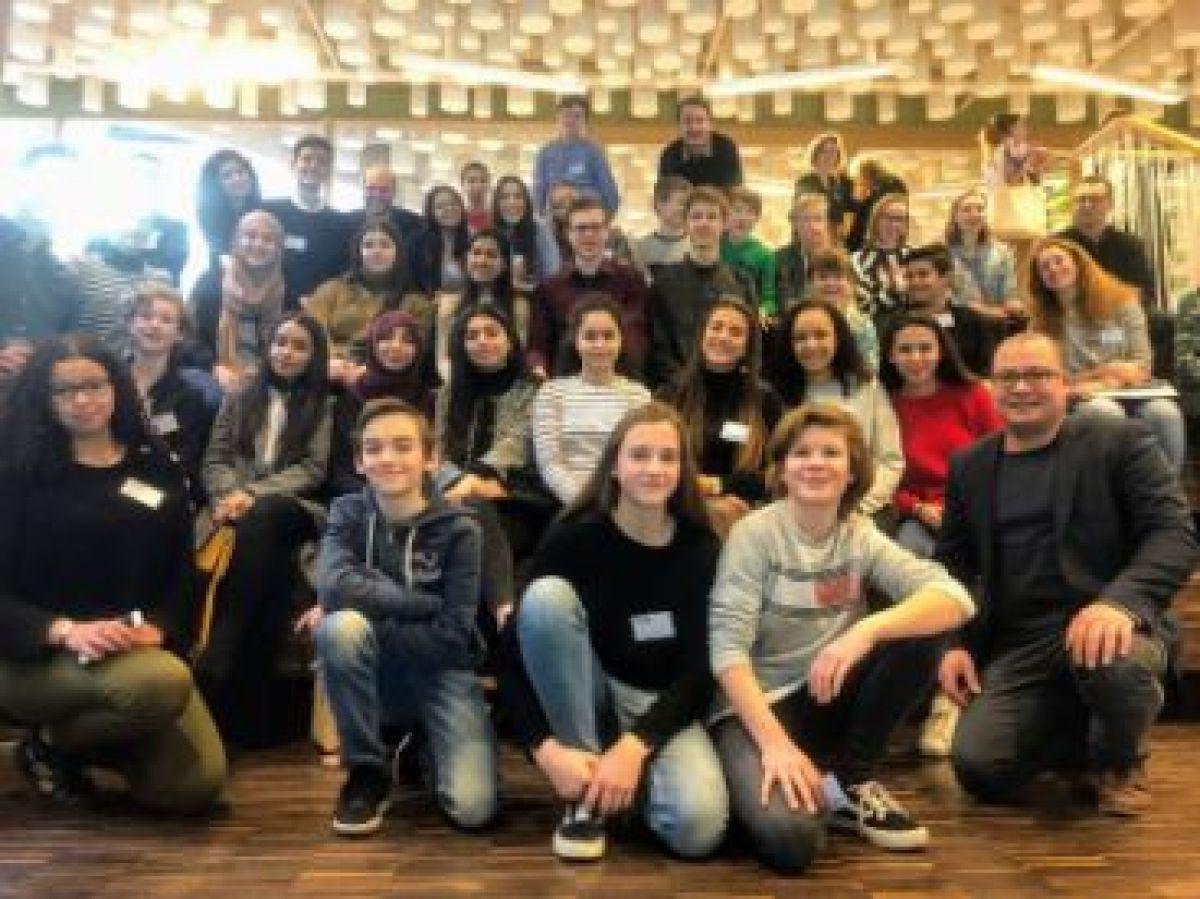 Podiumplaats voor LRC bij Benelux Debatcompetitie