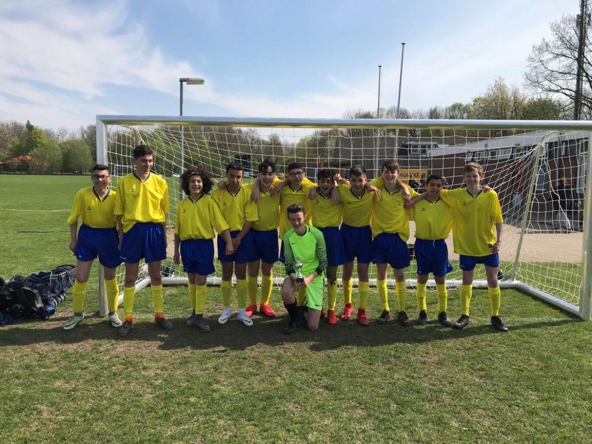 'Onze' jongens winnen scholenvoetbaltoernooi!