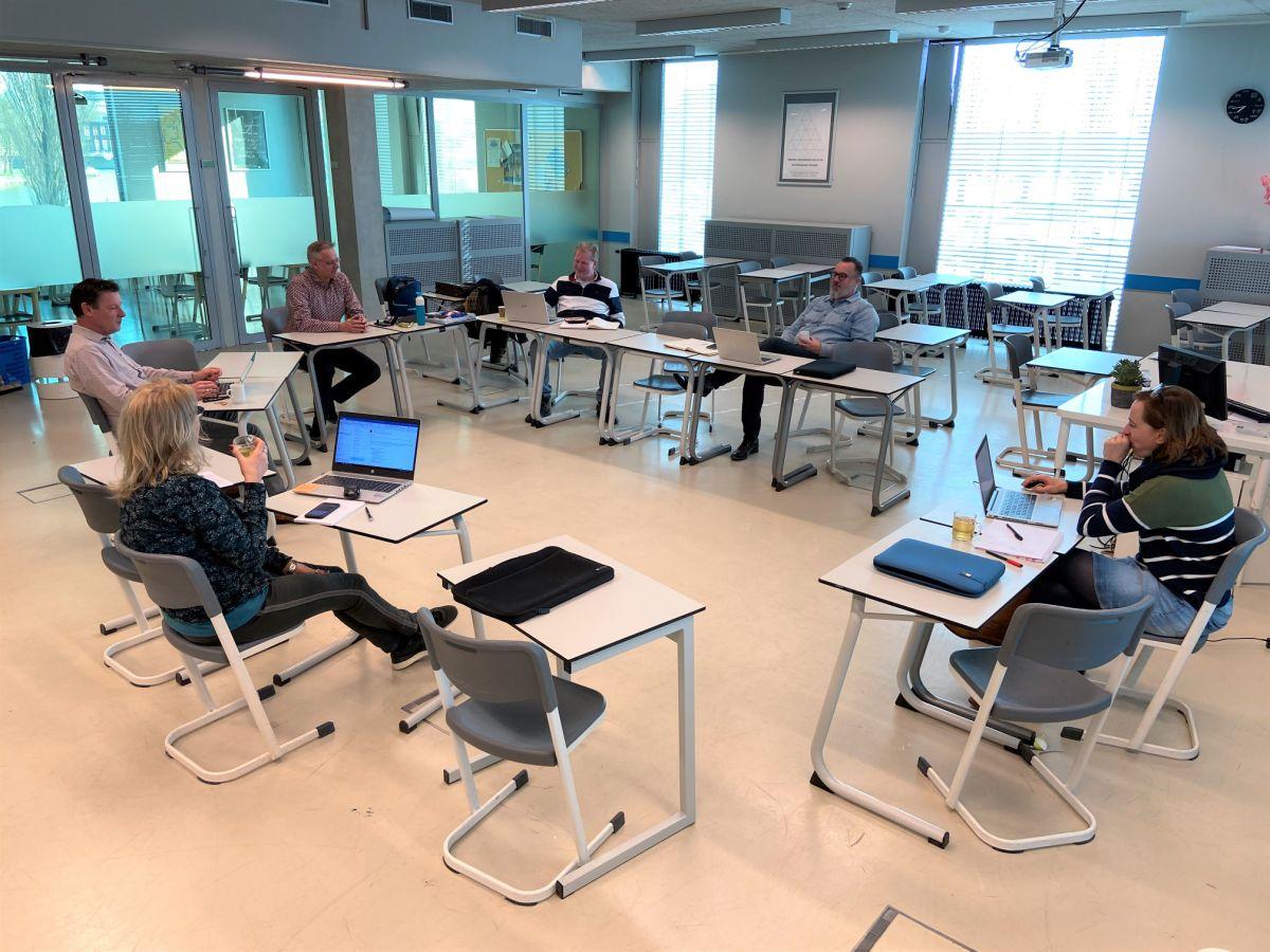 De school is dicht maar achter de schermen wordt hard gewerkt