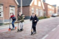 Matthijs Agteresch met vriendjes Thijs en Ruben_ Verkeer _5_