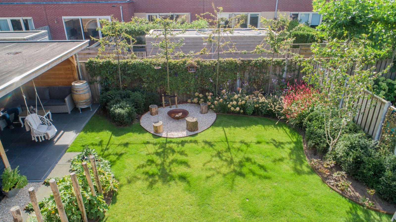 Tuin Laten Aanleggen : Romantische tuin aanleggen hovenier kampen