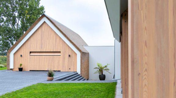 houten-garagedeur-schuurwoning-17