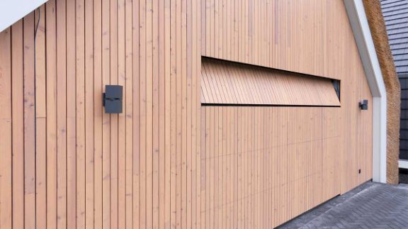 houten-garagedeur-schuurwoning-25-1