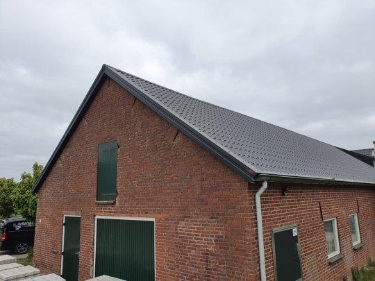 Renovatiee met dakbeplating Langenboom