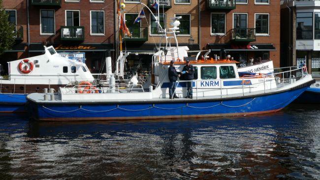 Twee boten van het Nationaal Reddingmuseum Dorus Rijkers ontvangen titel varend erfgoed