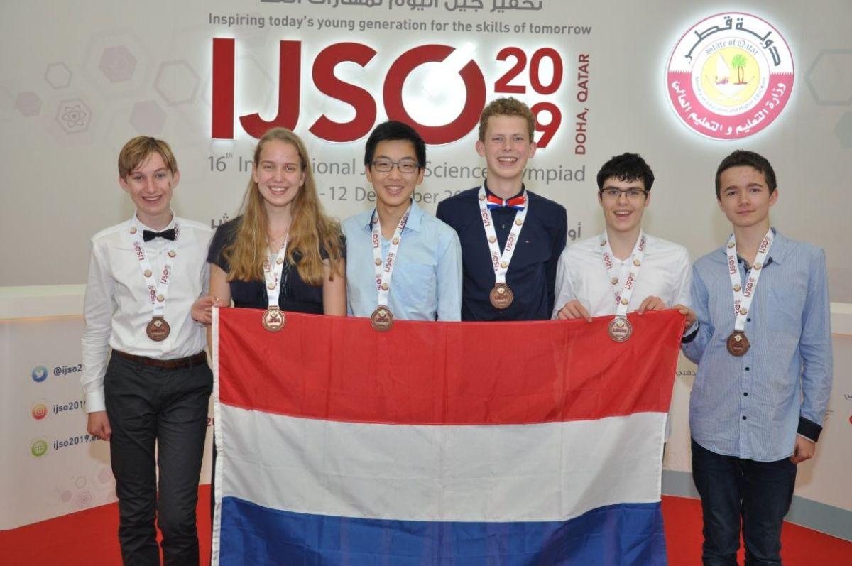 Olympisch brons voor Nederlandse scholieren in Qatar